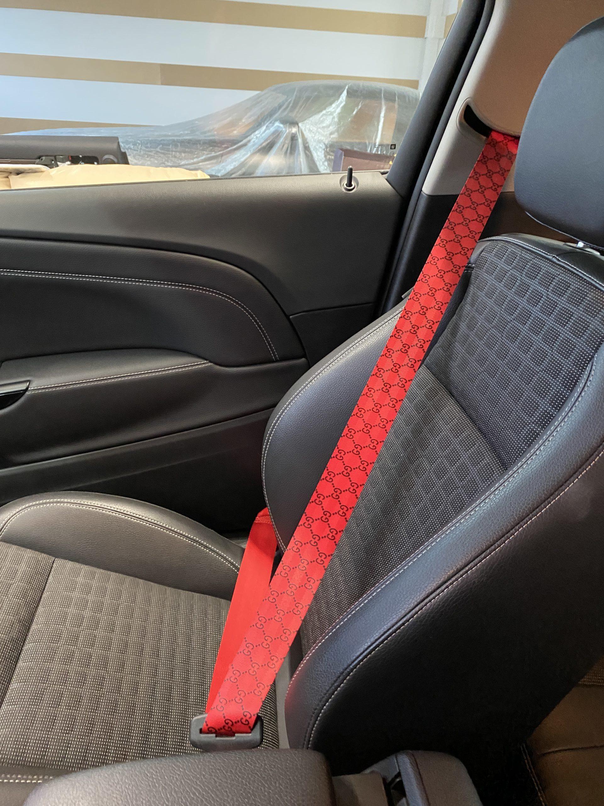 Ремень безопасности красного цвета в стиле Гуччи (Gucci) 2