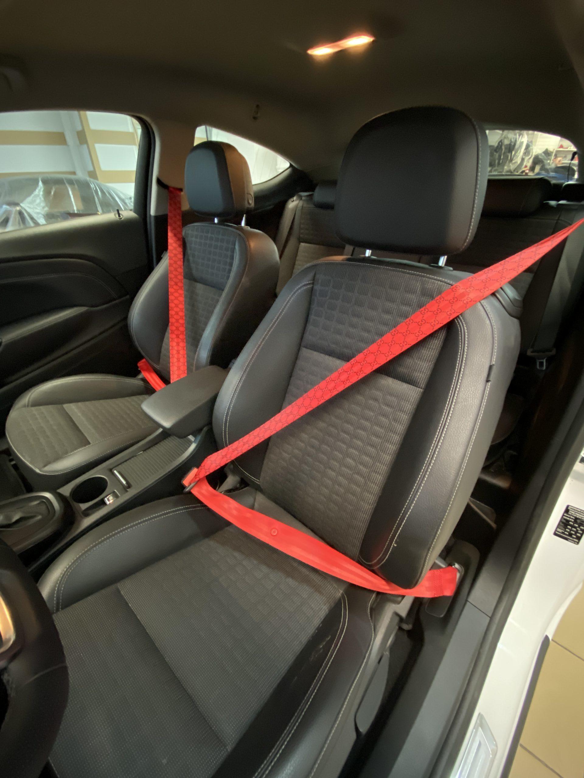 Ремень безопасности красного цвета в стиле Гуччи (Gucci) 1